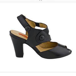 NWOT Miz Mooz 'Sapphire' Heels